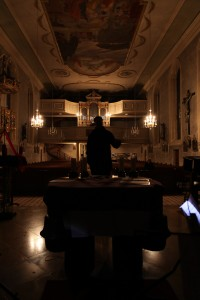 Dirigent im Dunkeln